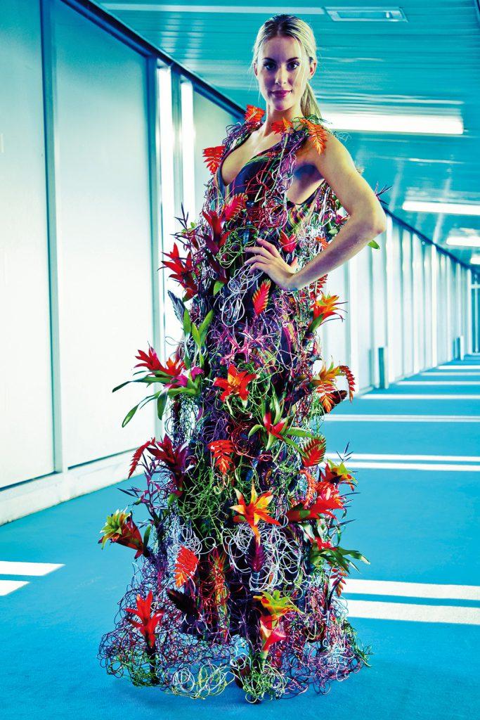 Diny Bloms bloemenjurken op de catwalk