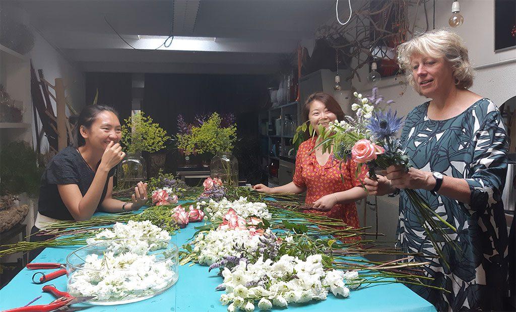 handtied bouquet training